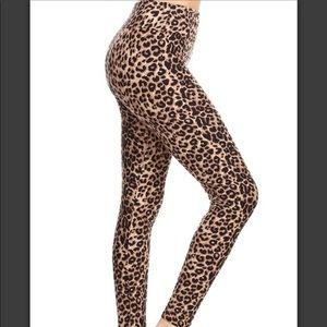 1 LEFT!NWT Plus size Cheetah high waisted leggings